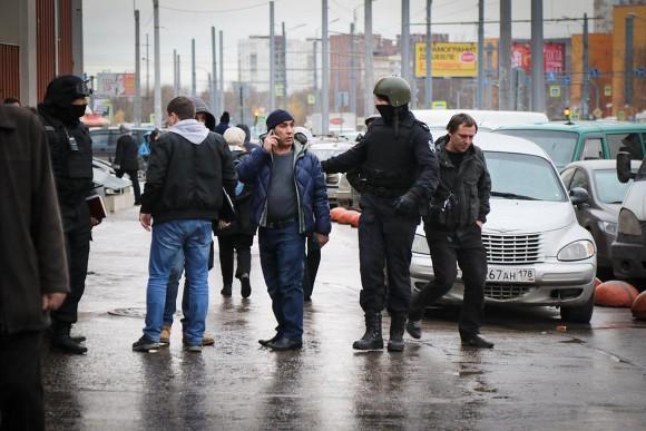 Президент Федерации мигрантов России допустил возвращение до 1 млн трудовых иностранцев