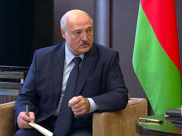«Вывернули наизнанку»: Лукашенко заявил о раскрытии оппозиционной «группы террористов»
