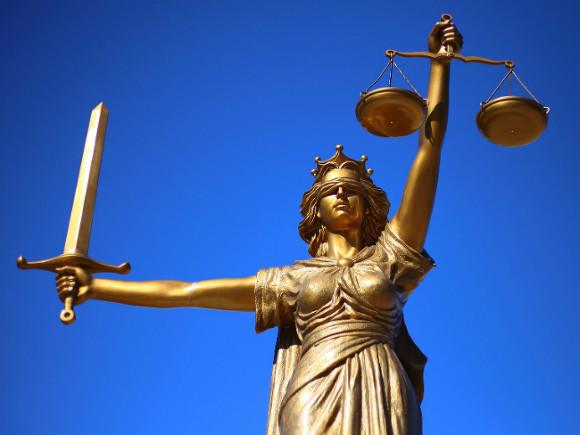 Присяжные пока не смогли договориться по делу об убийстве Флойда