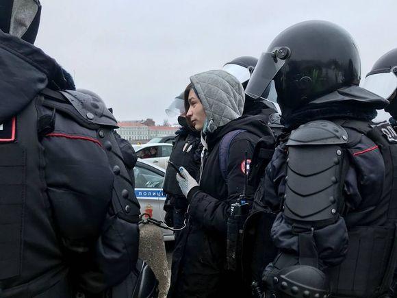 Полиция Петербурга попросила жителей города не выходить на акции протеста, пригрозив задержаниями