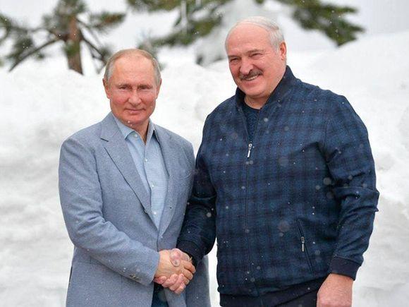 Соратник Тихановской объяснил, зачем Путин «делает ставку на Лукашенко»