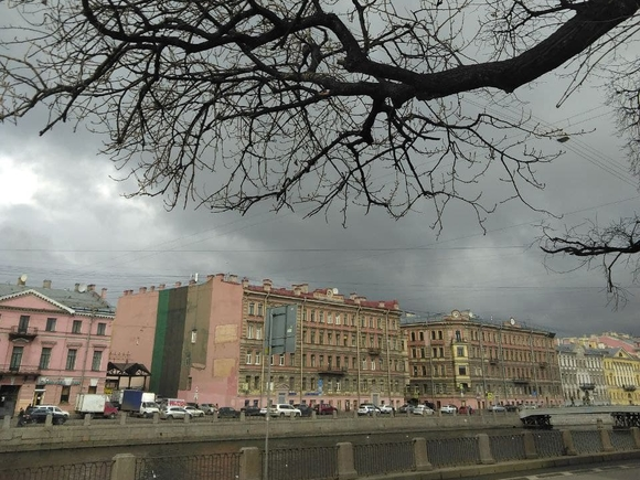 В Петербурге плюс тринадцать и переменная облачность