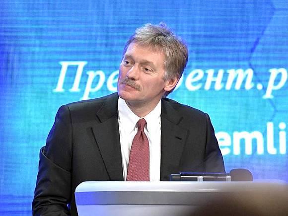 «Было бы глупо выступать за это»: Песков понадеялся, что власти не запретят совсем иностранные интернет-платформы