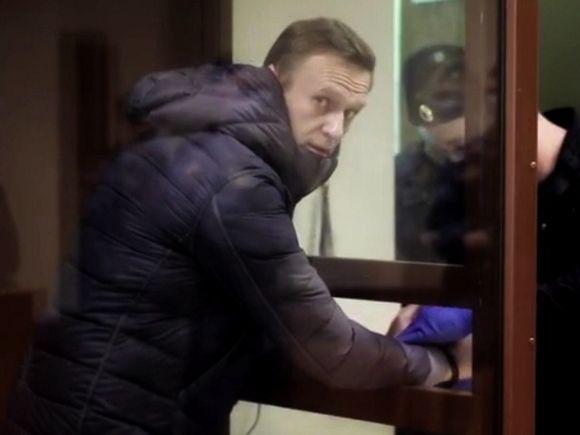 Сенат Польши выступил за усиление санкций против РФ из-за отправки Навального в колонию