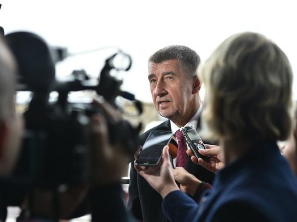 Премьер Чехии опроверг заявление президента Земана по поводу взрывов во Врбетице