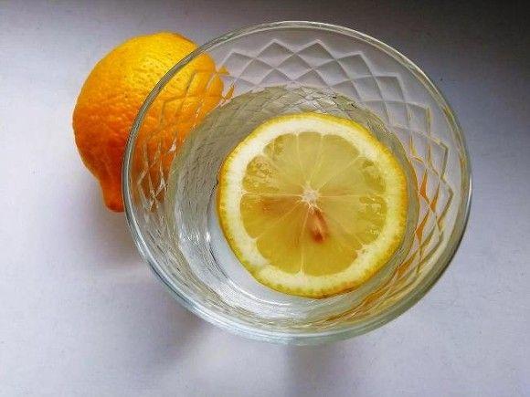 Диетолог пояснила, вода какой температуры полезнее для питья