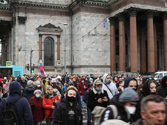 Социолог Мацкевич: Ядро петербургских митингов составляют не дети и безработные