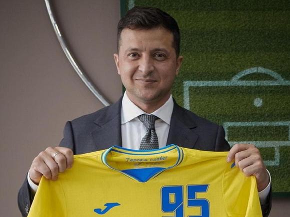 Зеленский: 40 млн украинцев, в том числе в Луганске и Симферополе, обнимались после победы сборной на Евро-2020