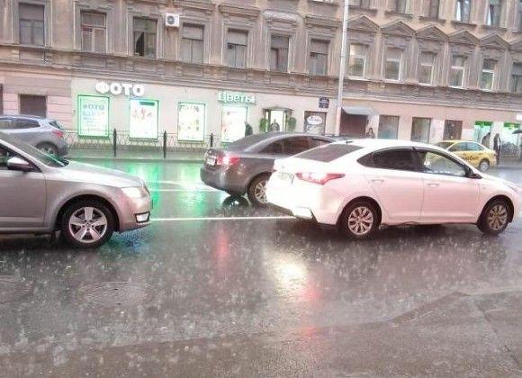 В Петербурге будет ветрено, сыро и совсем не жарко