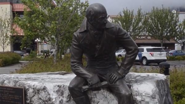 Демонтированный памятник правителю Русской Америки перенесли в музей на Аляске