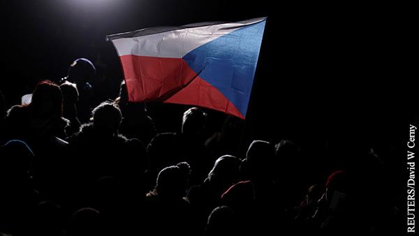 Мнения: Чехия обречена на колебания в отношениях с Россией