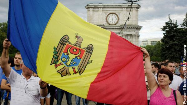 В мире: Президент Молдавии насильно делает из своей страны Румынию