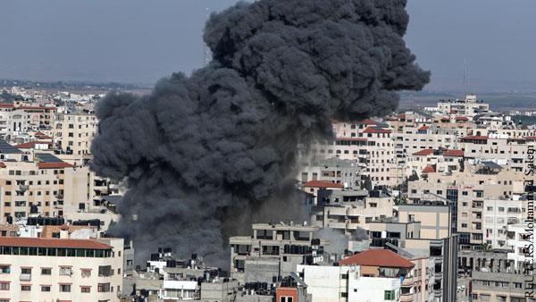Израиль нанес удары по зданию банка и серверам ХАМАС в секторе Газа