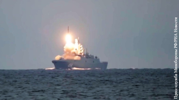«Адмирал Горшков» провел успешные стрельбы по целям на Новой Земле