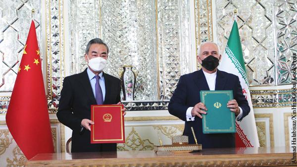 Глава МИД Китая заявил в Иране о неприемлемости односторонних санкций
