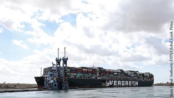 Экономика: Кто заработал на нападении «монстра» на Суэцкий канал