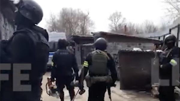 Открывший стрельбу по полицейским в Мытищах мужчина бросил две гранаты