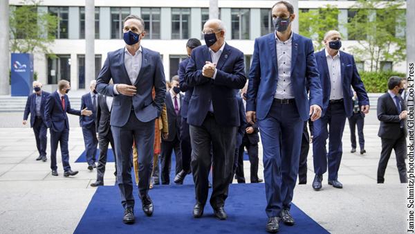 Лидеры стран ЕС собрались обсудить новые санкции против России