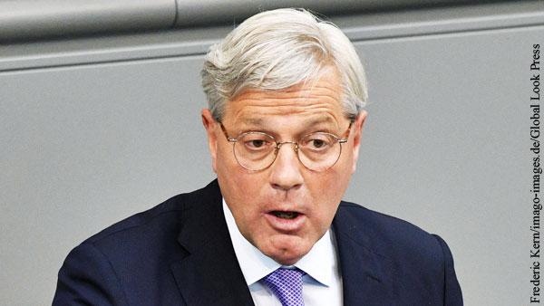 Глава комитета Бундестага заявил о причастности Москвы к инциденту с Ryanair