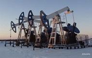 Цены на нефть снижаются из-за укрепления доллара