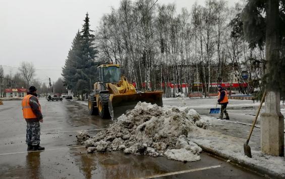 Виктор Карамышев проверил, как в Курске расчистили снег