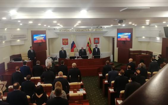 Половина депутатов облдумы намерена остаться в парламенте