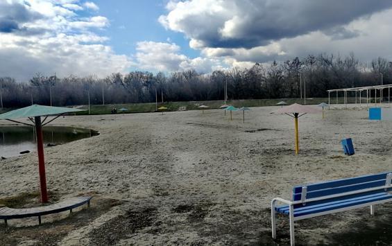 Зонты на Ермошкином озере заменят не так, как планировали