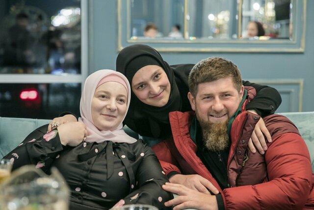 Хакеры обрушили сайт издания «Проект» — после того, как там вышло расследование о женах Кадырова и их недвижимости. «Медуза» публикует полный текст этой статьи в знак поддержки коллег