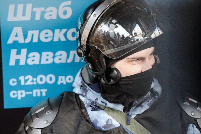 Нет. Это не конец. Структуры Навального признаны «экстремистскими». Политолог Константин Гаазе объясняет, зачем это нужно было власти — и победила ли она