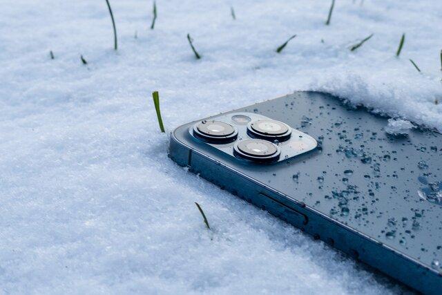 iPhone 12 Pro Max — телефон с самой продвинутой системой камер среди айфонов. Ну и что в ней такого продвинутого? Нам понадобился месяц, чтобы разобраться, — и не все открытия оказались приятными