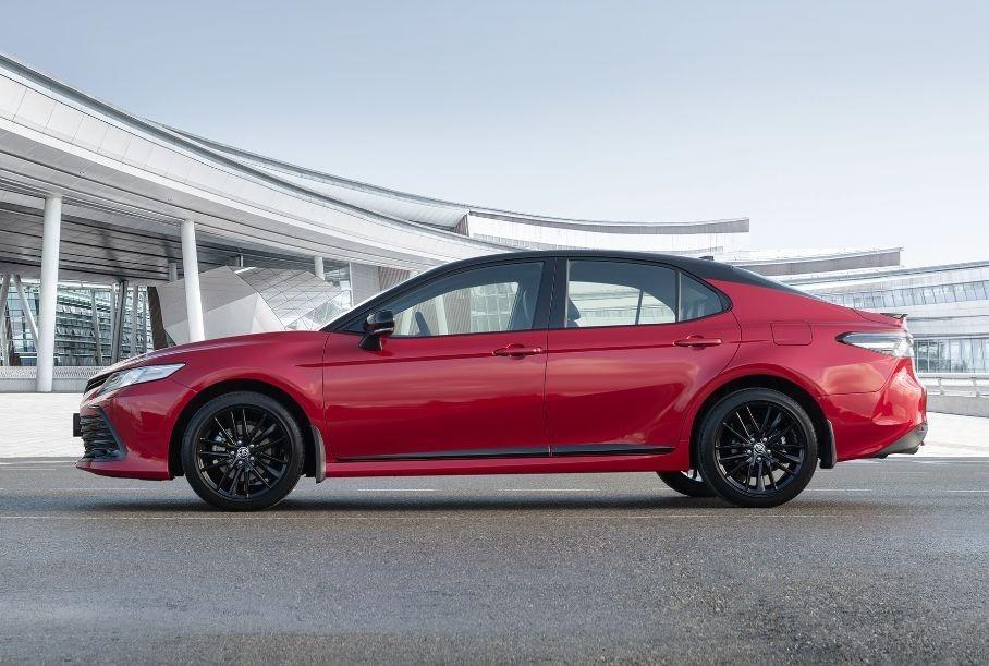 Toyota установила личный рекорд по продажам автомобилей в мире за месяц