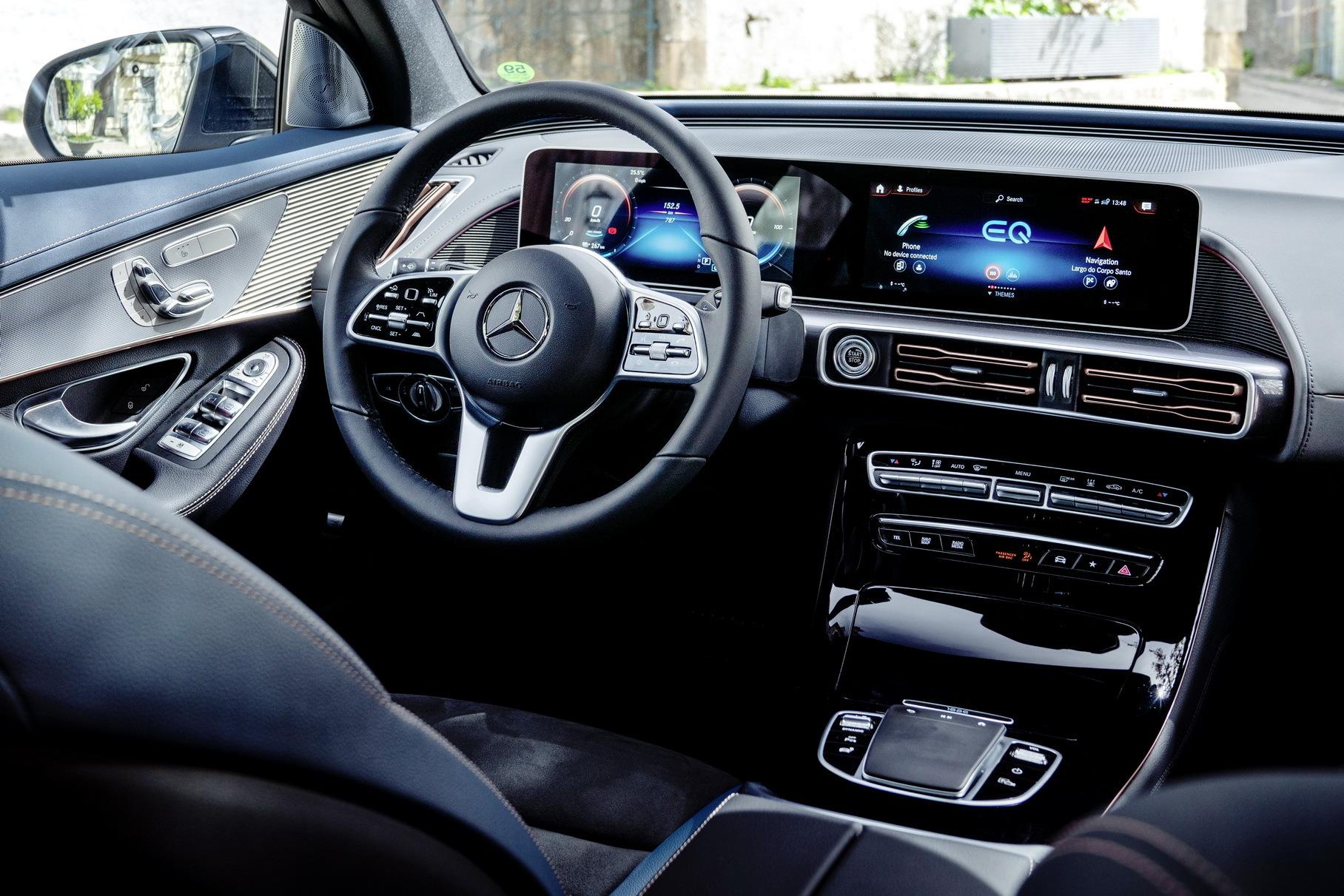 Медиасистема Mercedes-Benz неожиданно ответила на вопрос о Tesla