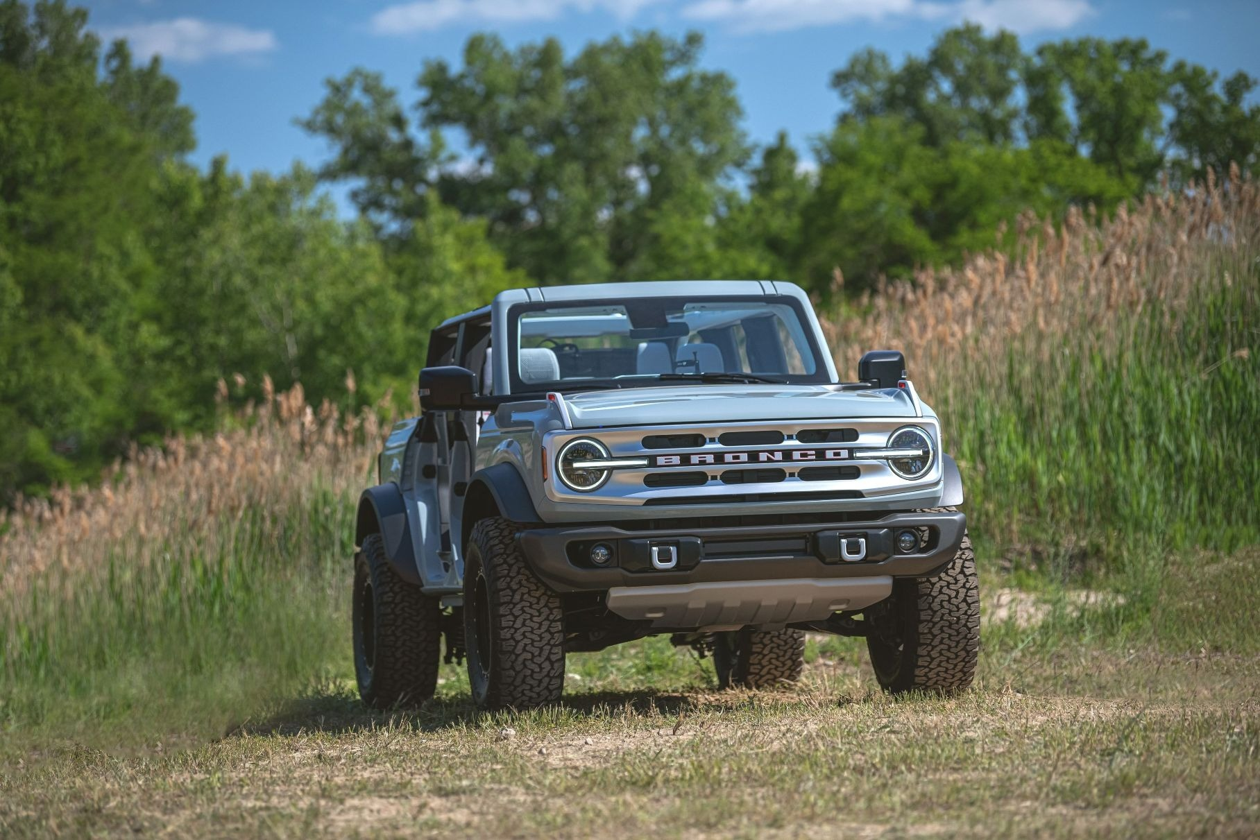 Глава Ford намекнул на разработку электрического Bronco