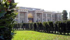 Из-за штрафов на 365 тысяч: приставы запретили перерегистрацию «дворца Путина»