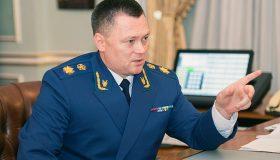 Краснов обещал выбивать: нерасторопных чиновников накажут за неоплату госконтрактов
