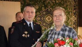 Банда полицейских-грабителей: комбата ДПС из центра Москвы осудили вместе с подчиненными