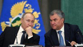 Итоги месяца: региональные чистки у Путина, паспортный контроль у Володина и генеральский исход у Золотова