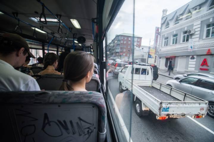 Приморец получил серьезную травму из-за невнимательности водителя автобуса