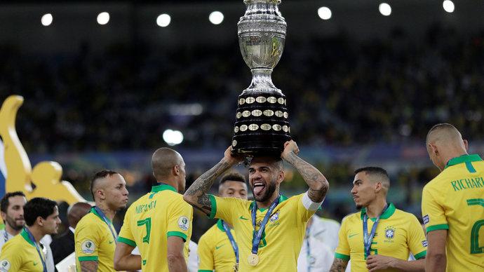 38-летний Дани Алвес вернулся в сборную Бразилии