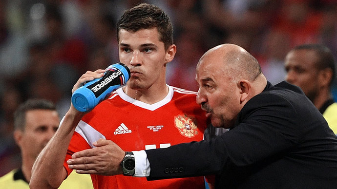 Зобнин присоединится к сборной России после дополнительного обследования в Москве