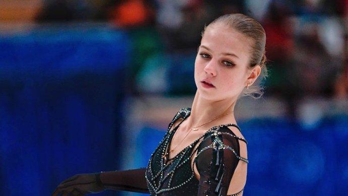 Трусова заявила три четверных прыжка в произвольной программе на ЧМ-2021, Щербакова и Кихира — один