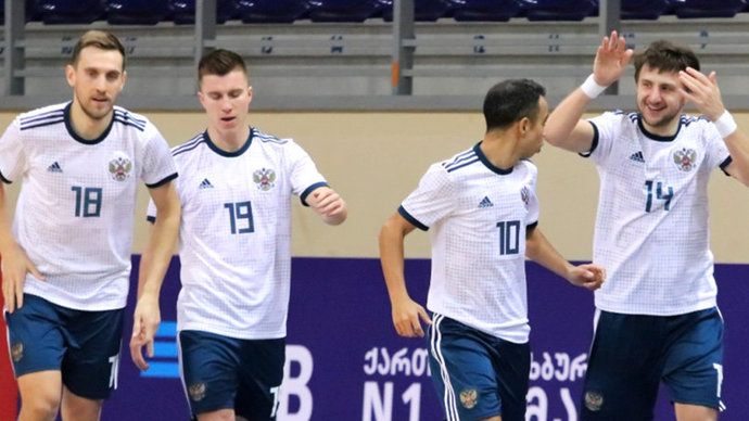 Сборная России по мини-футболу с первого места в группе вышла на ЧЕ-2022
