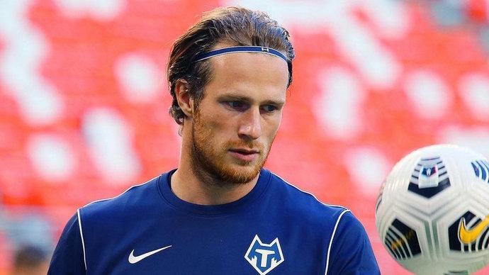 Вратарь узнал об исключении из заявки «Тамбова» в день матча с «Ротором». Новость ему сообщил отец