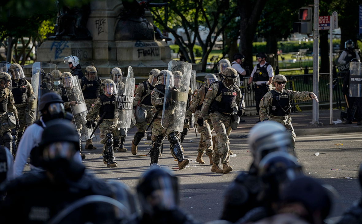 Минюст США попросил суд отклонить иск к Трампу за разгон протестующих