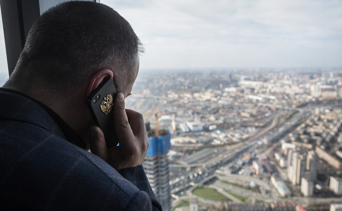СМИ узнали о новых планах властей по российским поисковикам и смартфонам
