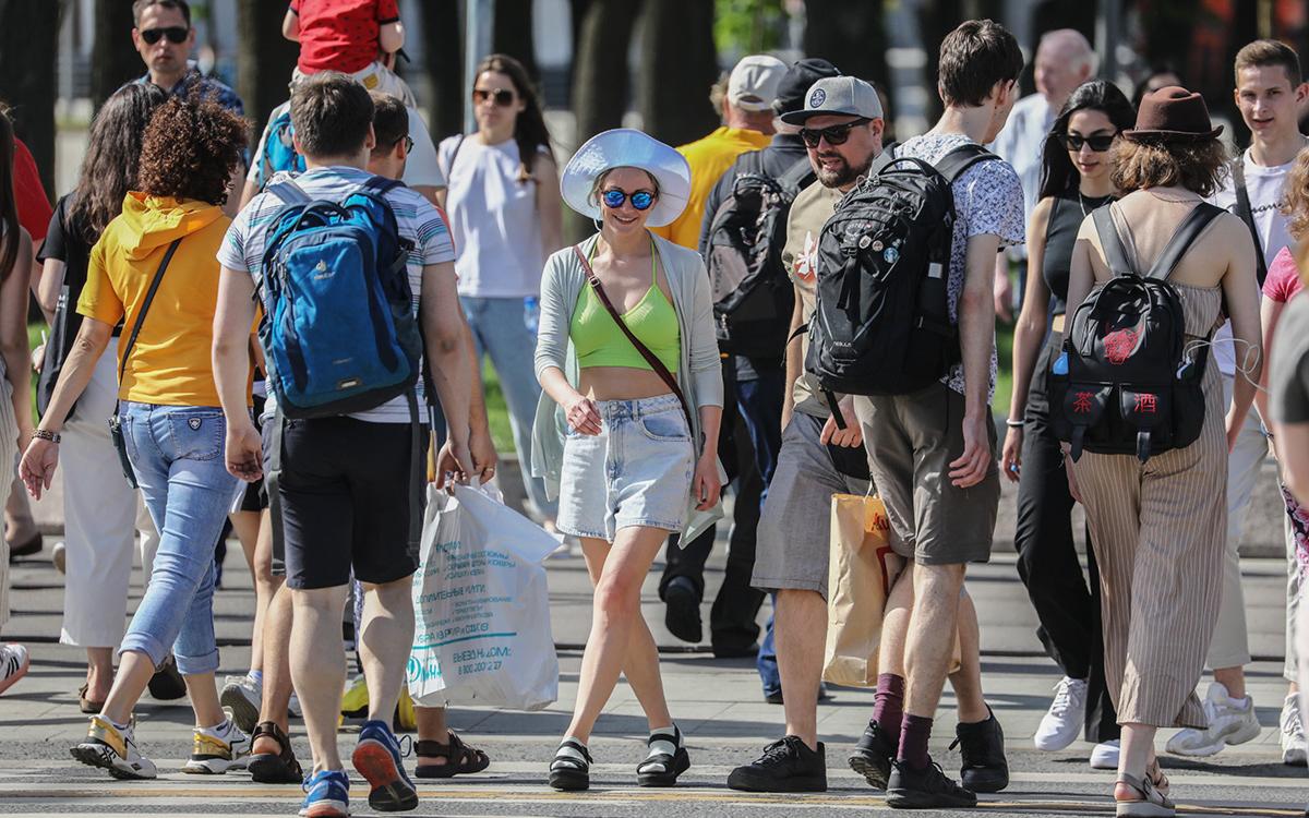 Собянин назвал сроки отмены ограничений на массовые мероприятия