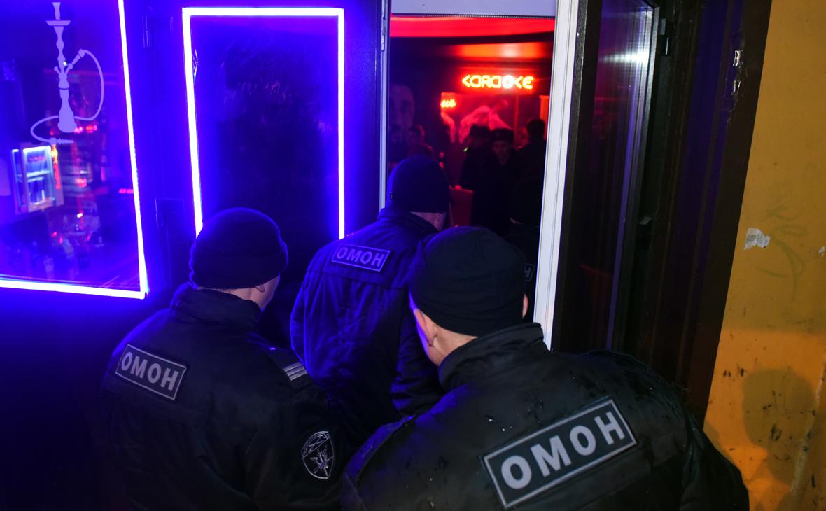 В Петербурге продлили запрет на работу ночных клубов