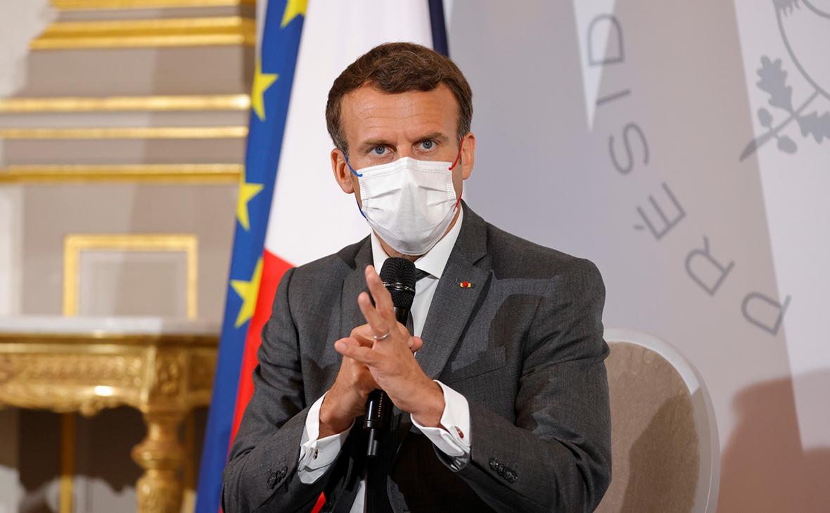 Ударивший Макрона по лицу француз получил тюремный срок