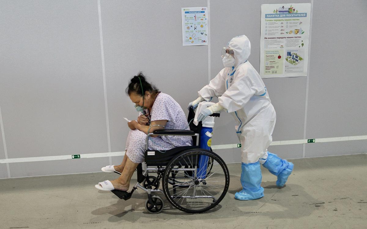 Число заразившихся COVID-19 в России превысило 5 млн человек
