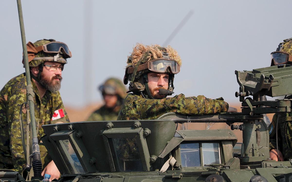 Канада приостановила военную миссию на Украине из-за вспышки коронавируса
